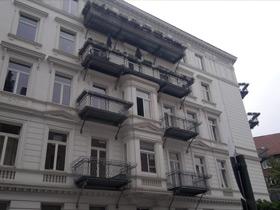 Balkone und Plattformen