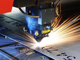 Laser- und 3D-Wasserstrahlzuschnitte